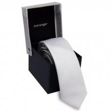 Keskeny, fehér nyakkendő díszdobozban