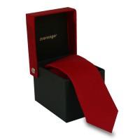 Keskeny, piros színű nyakkendő díszdobozban